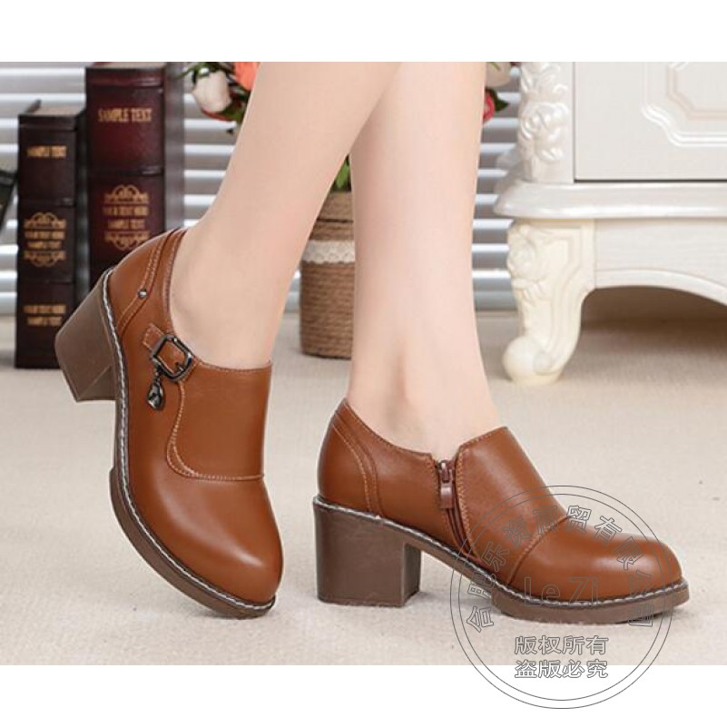 Pure Color Buckle Vogue Pu Puppy Heel Designer Woman Shoes Light Mouth Leather Shoes Women Brand Shoes Woman Embossed Leather